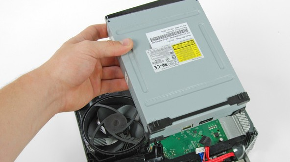 آموزش گام به گام و تصویری باز کردن ایکس باکس مدل Xbox slim