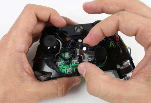 مشکل در جهت دسته ایکس باکس وان یا همون مشکل D-pad دسته Xbox One